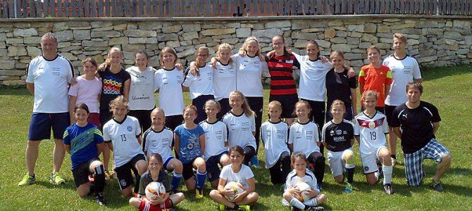Tag des Mädchenfußballs bei der DJK FIegenstall