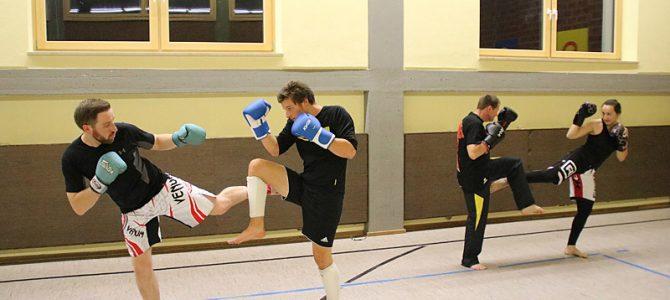 Weg mit dem Winterspeck – mit Kickboxen! Die optimale Steigerung von Kondition, Koordination und Kraft. In Ellingen und – ganz neu – auch in Treuchtlingen!