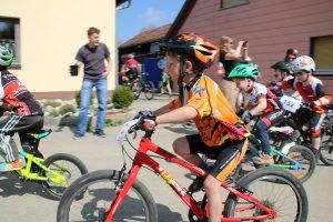radsport-rennen-schneckenlohe-u7m-rennen02