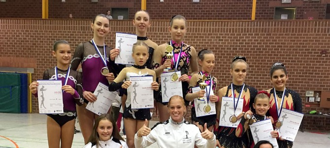Premieren und Medaillenregen für die Sportakrobaten