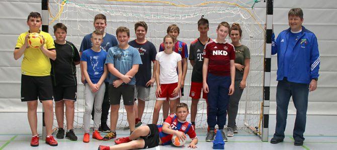 Fußball-Hallentraining für die Mittelschüler (7./8. Klasse)